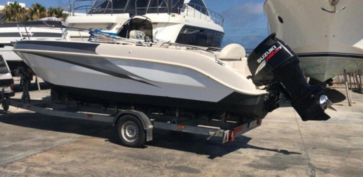 Mano Marine 2200